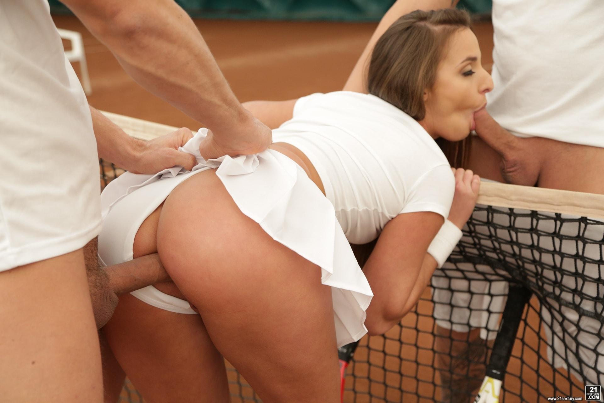 Секс с теннисисткой, Бесплатное порно ; Теннисистки ; Популярные 2 фотография