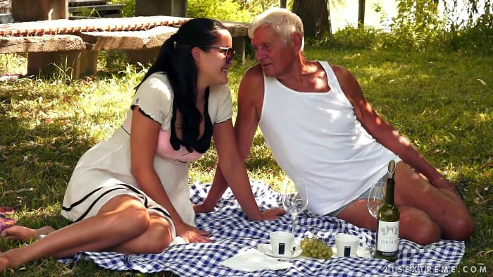 Mature sex party one guy