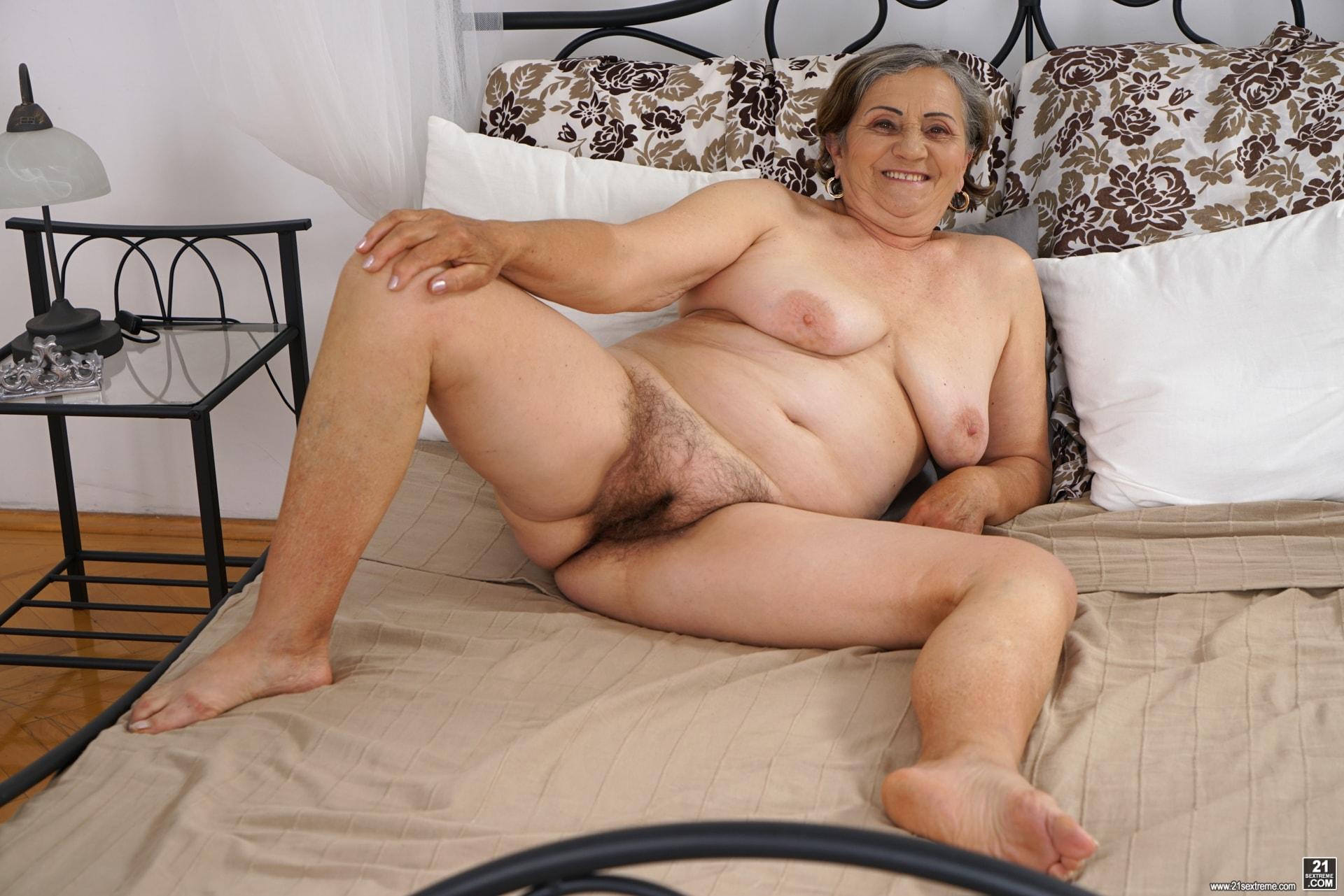 Private home mature porn pics
