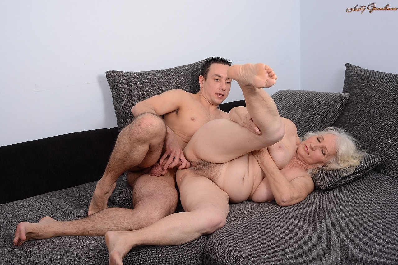 And free granny porn fucking young guys knight porn tranny