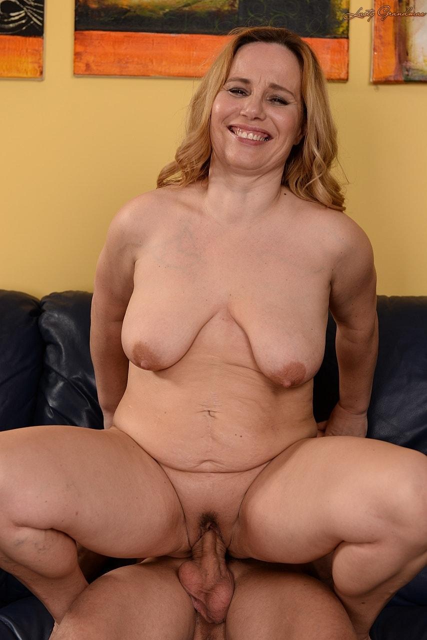 Sexy milf with big saggy tits brenda
